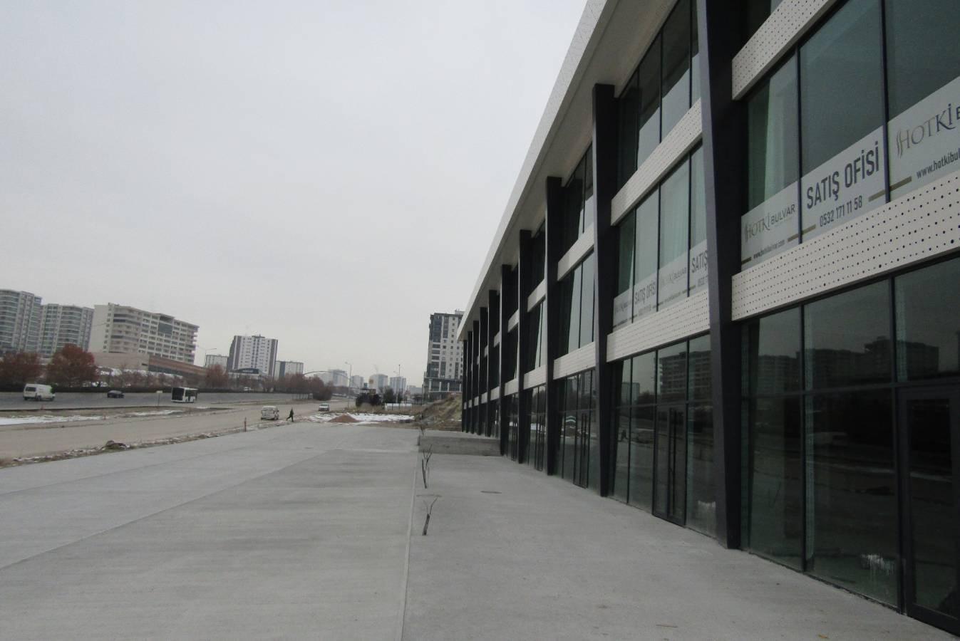 SR EMLAK'TAN YENİ BATI MAH'DE 4+1 160m² LÜKS MANZARALI DAİRE