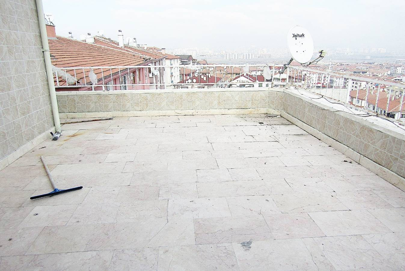 SR EMLAK'TAN PİYADE MAH'DE 6+1 220m² CADDE ÜZERİNDE MANZARALI TERAS