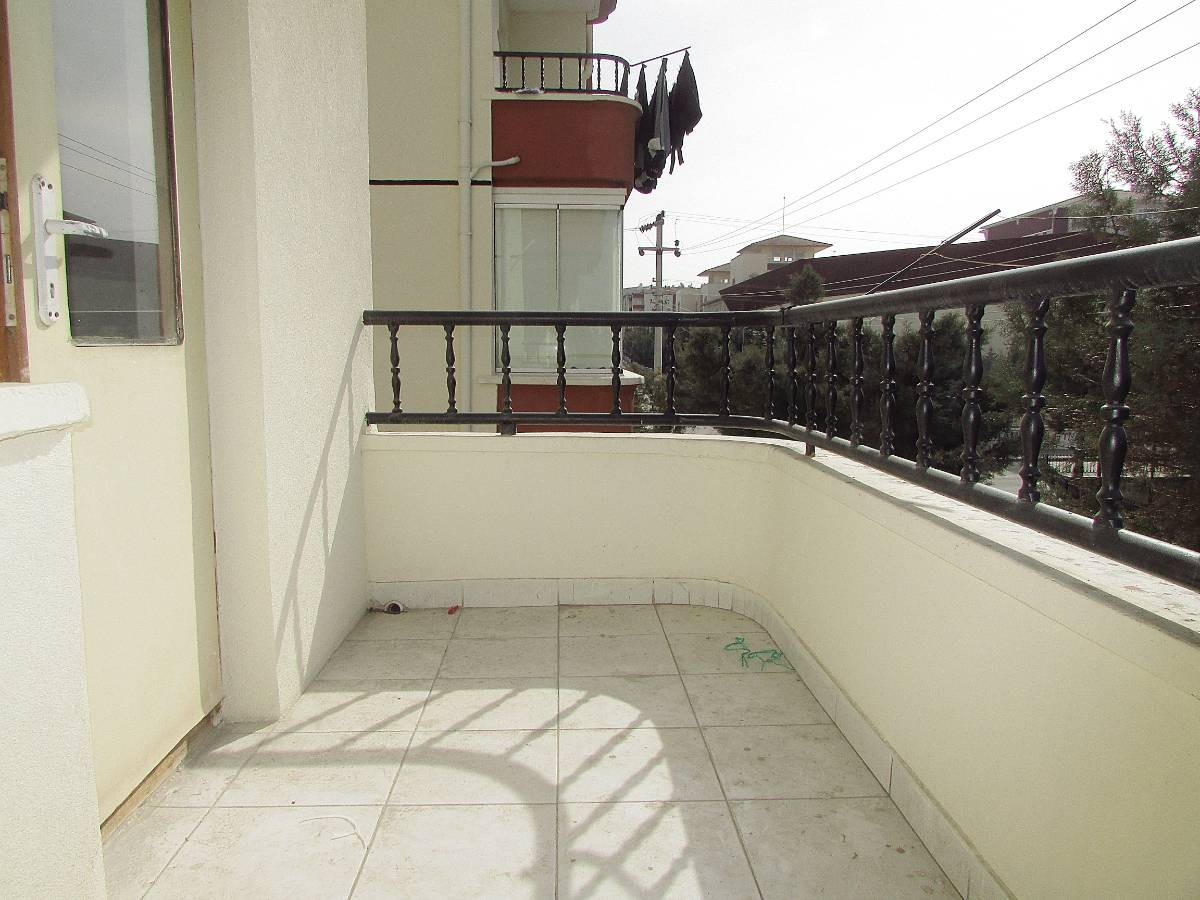 SR EMLAK'TAN OSMANLI MAH'DE 3+1 120 m² BAĞIMSIZ ARA KATTA ÖN CEPHE DAİRE