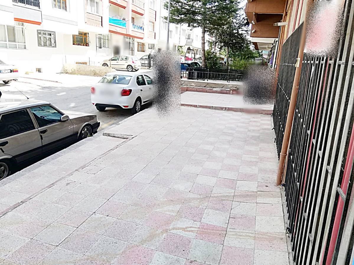 SR EMLAK'TAN TOPÇU MAHALLESİ'NDE 60 m² KÖŞE BAŞI SATILIK DÜKKAN