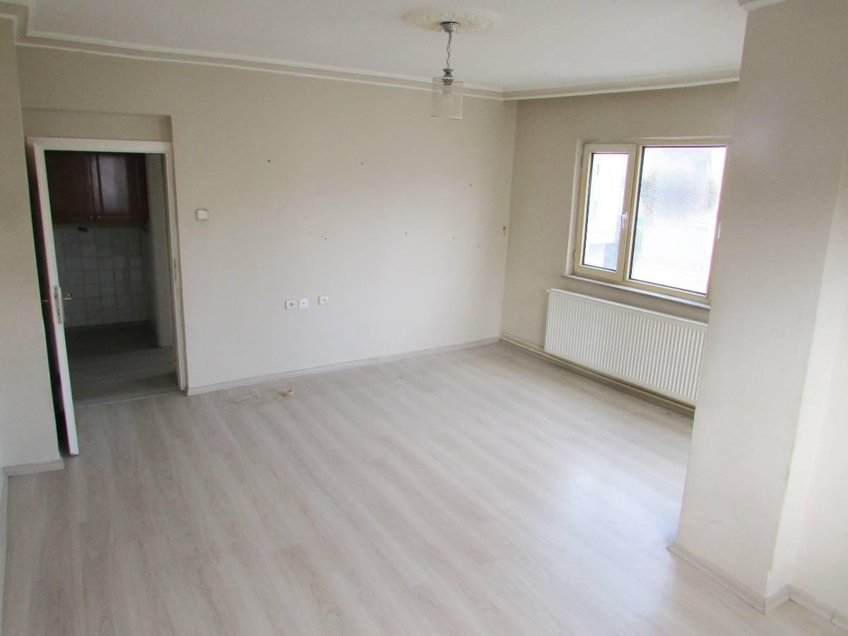 SR EMLAK'TAN AKŞEMSETTİN MAH'DE 3+1 120 m² ARA KATTA BAĞIMSIZ ÖN CEPHE DAİRE