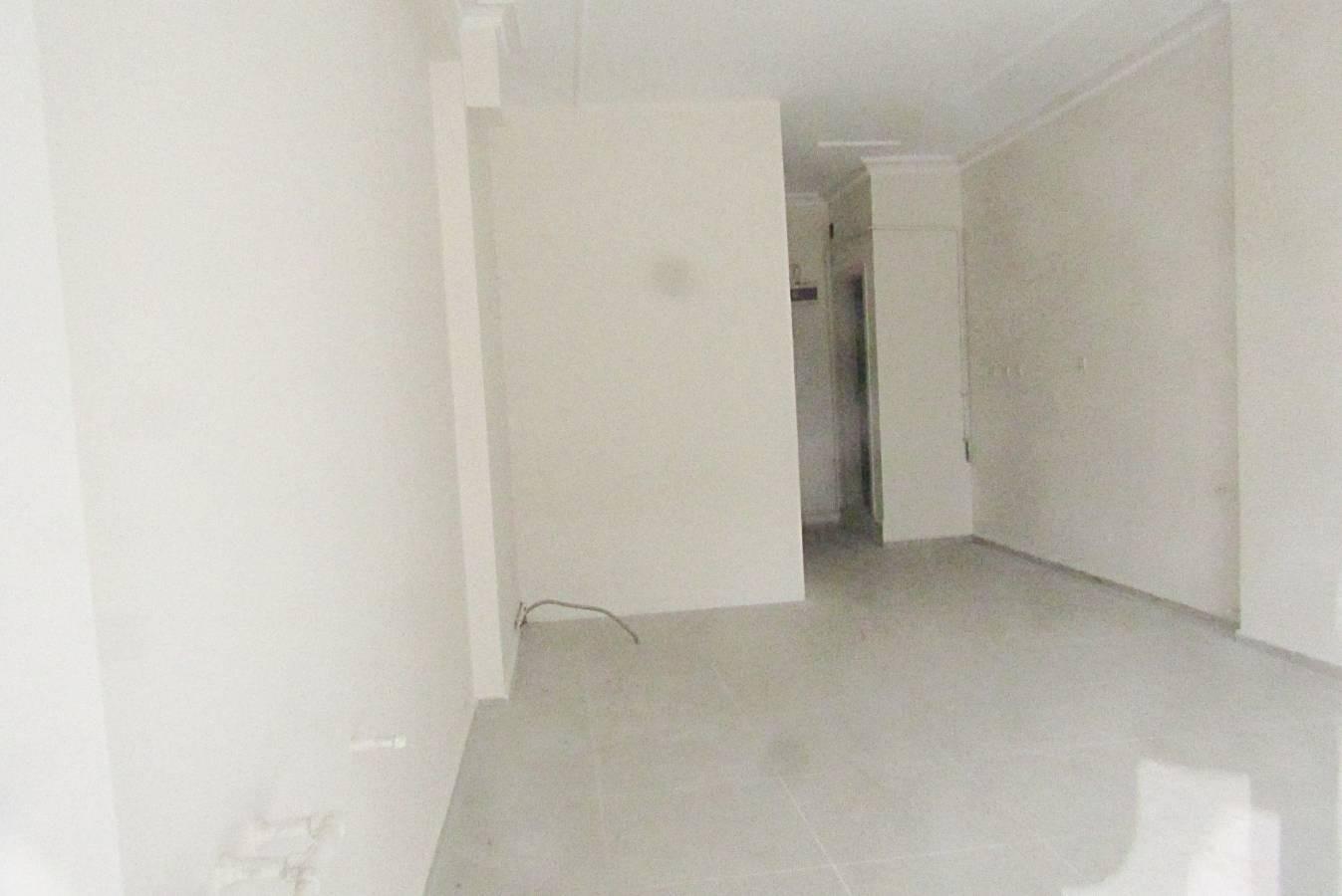 SR EMLAK'TAN ALSANCAK MAH'DE 30 m² CADDEYE YAKIN KÖŞEBAŞI KİRALIK DÜKKAN