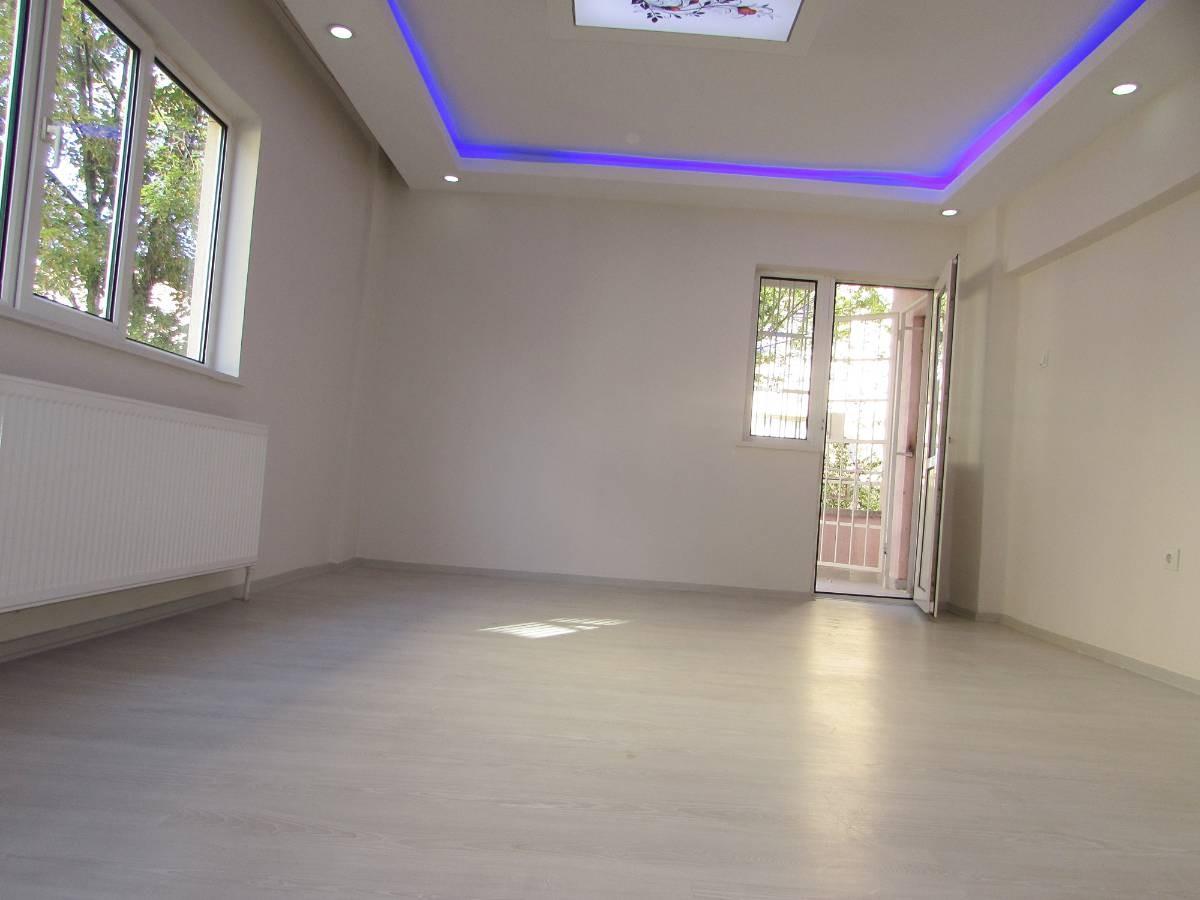 SR EMLAK'TAN OSMANLI MAH'DE 3+1 115 m² ARA KATTA BAĞIMSIZ ULAŞIMA YAKIN DAİRE