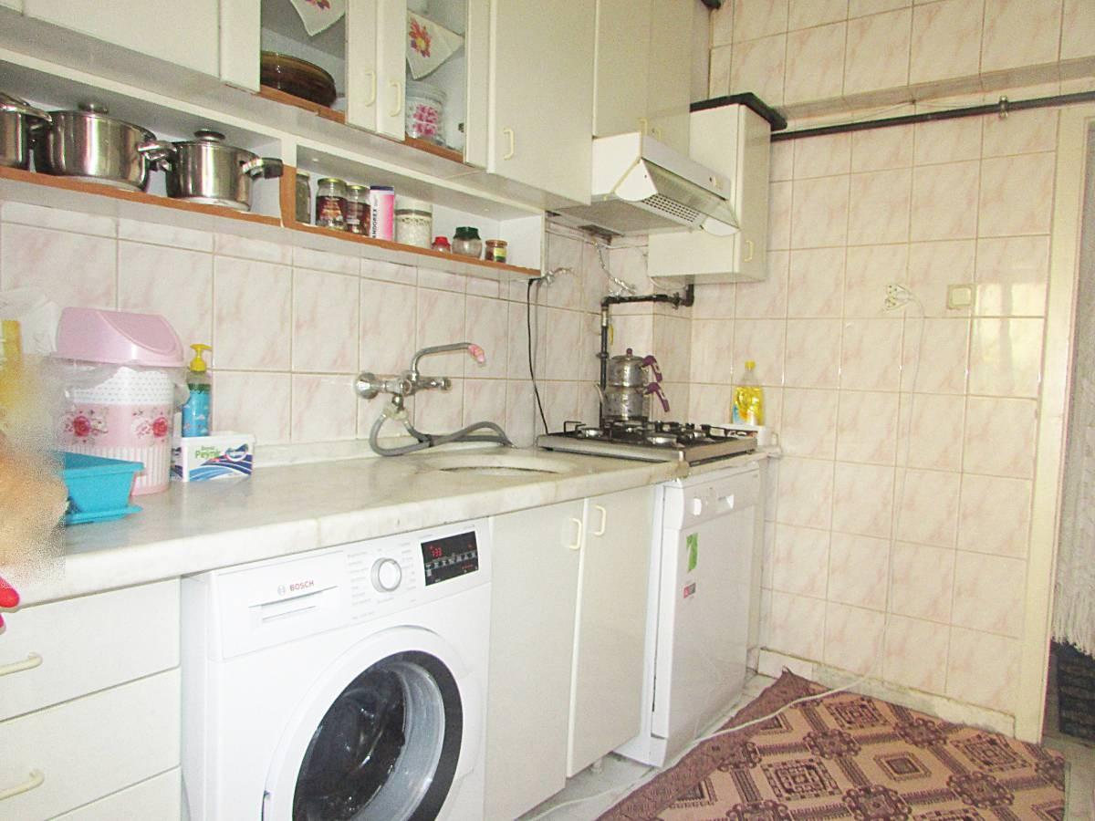 SR EMLAK'TAN İSTASYON MAH'DE 3+1 90 m²  ARA KATTA MANTOLAMALI DAİRE