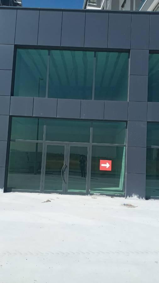 SR EMLAK'TAN YEŞİLOVA  MAHALLESİ'NDE 120 m²  KÖŞE BAŞI CADDE ÜSTÜ YATIRIMLIK DÜKKAN