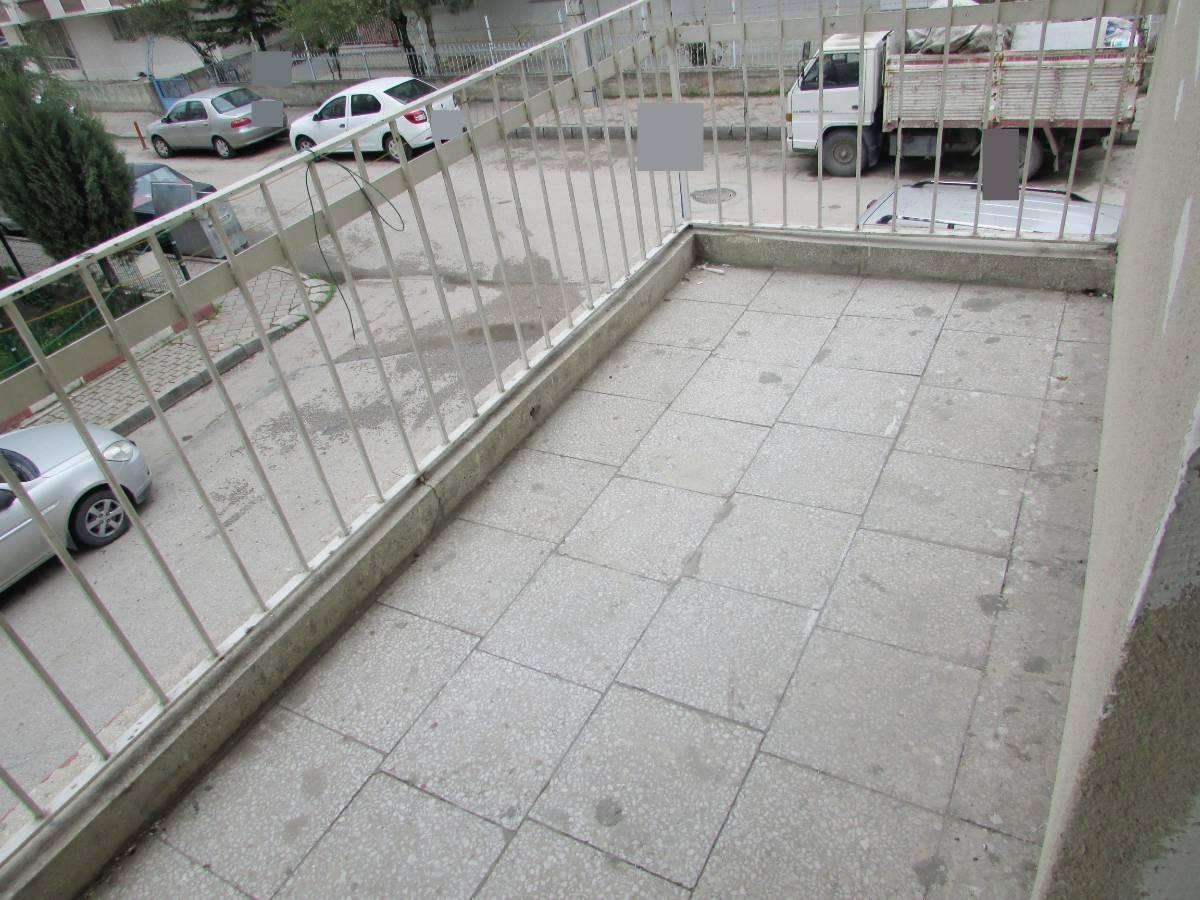 SR EMLAK'TAN AKŞEMSETTİN MAH'DE 3+1 115 m² ARA KATTA  ÖN CEPHE DAİRE