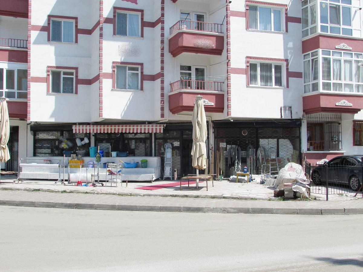 SR EMLAK'TAN AKŞEMSETTİN MAHALLESİN'DE 105 m² KÖŞE BAŞI DÜKKAN