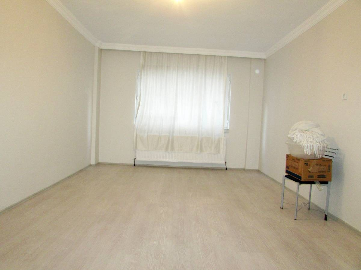 SR EMLAK'TAN İSTASYON MAH'DE 3+1 120 m² KATTA BAĞIMSIZ ÖN CEPHE DAİRE