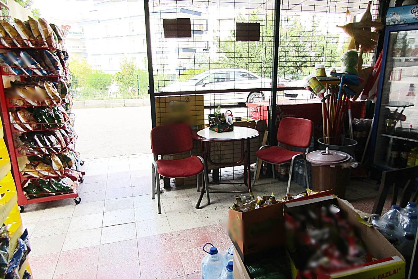 SR EMLAK'TAN SÜVARİ MAHALLESİ'NDE 87m² KÖŞE BAŞI DEPOLU SATILIK DÜKKAN