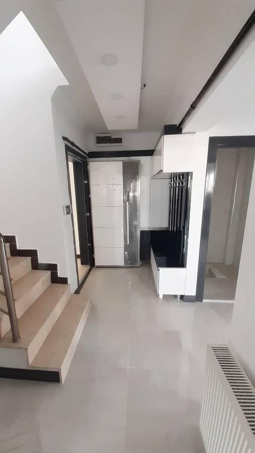 SR EMLAK'TAN ALSANCAK MAHALLESİ'NDE 4+1 200 m²  TERAS DAİRE