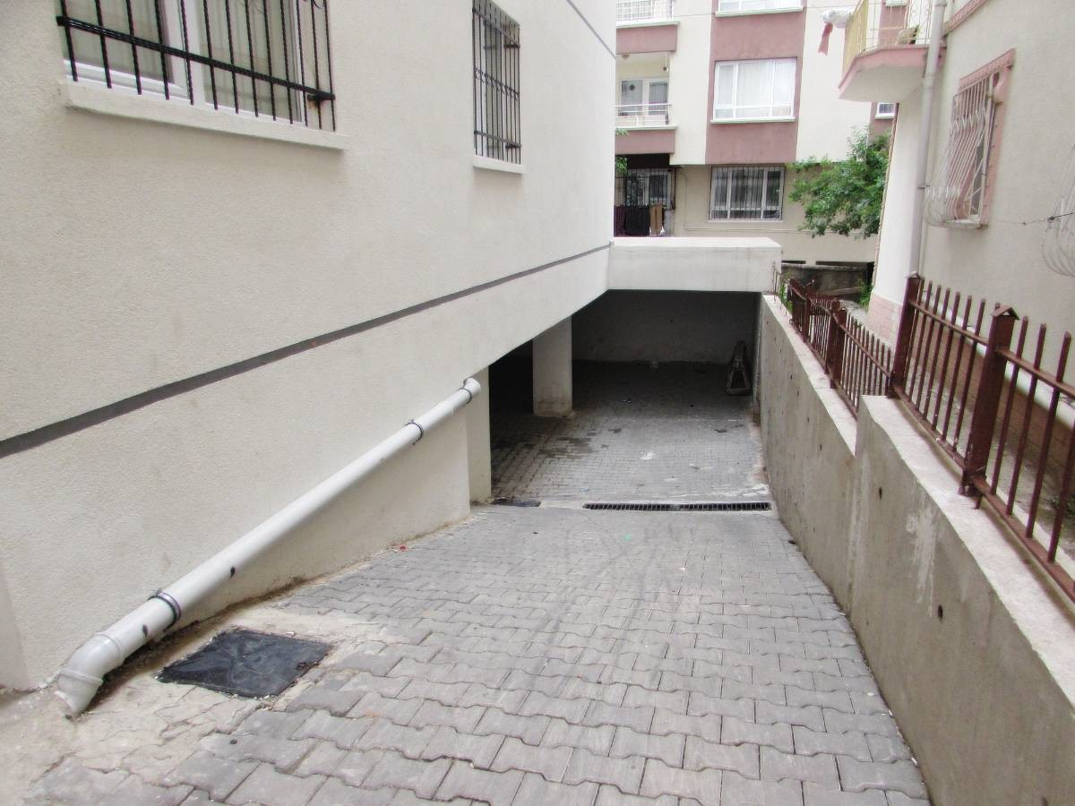 SR EMLAK'TAN M.ÇAKMAK MAH'DE 3+1 105m² BAĞIMSIZ YAPILI DAİRE
