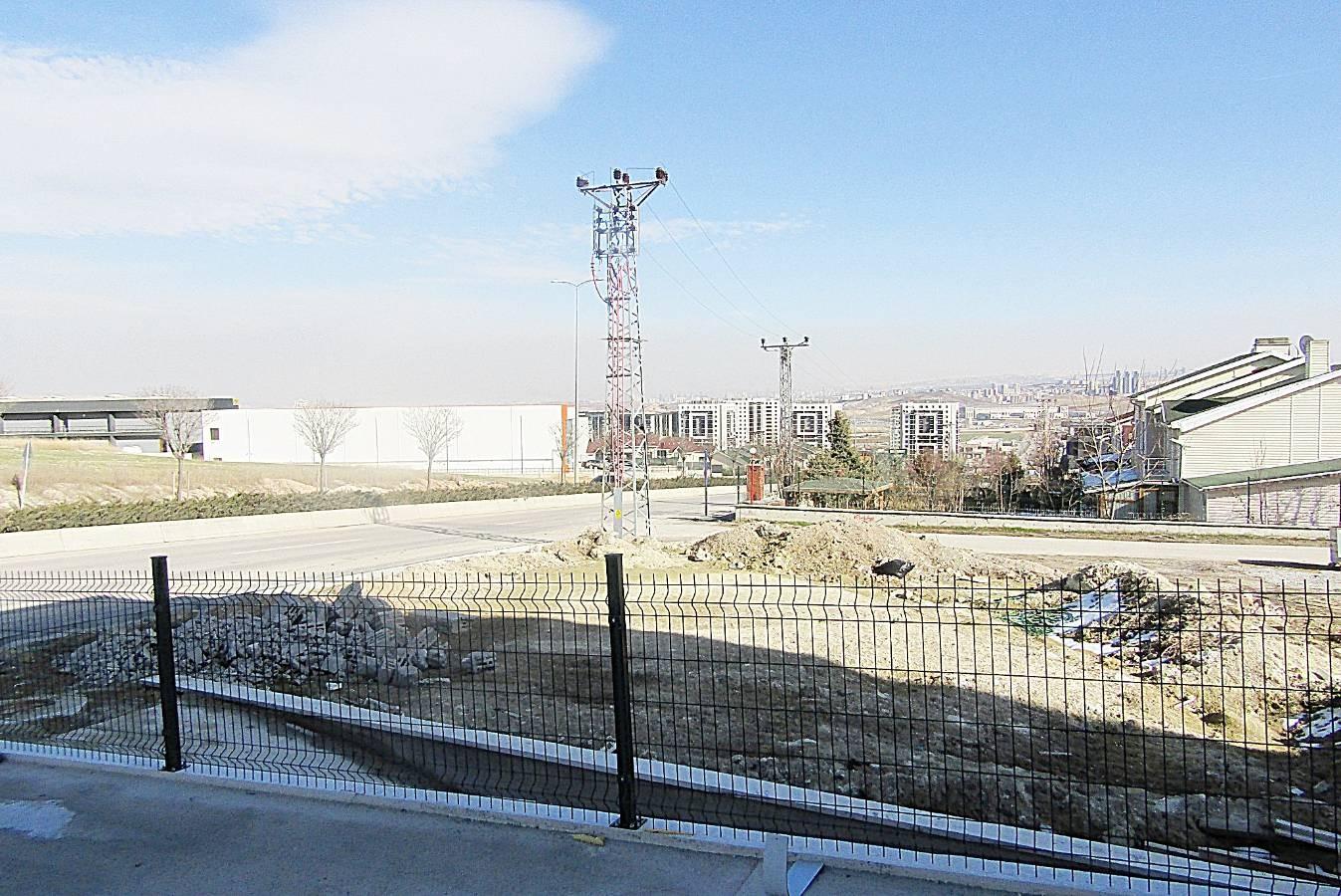 SR EMLAK'TAN BAĞLICA MAH'DE 1200m² CADDEYE YAKIN KİRALIK DÜKKAN