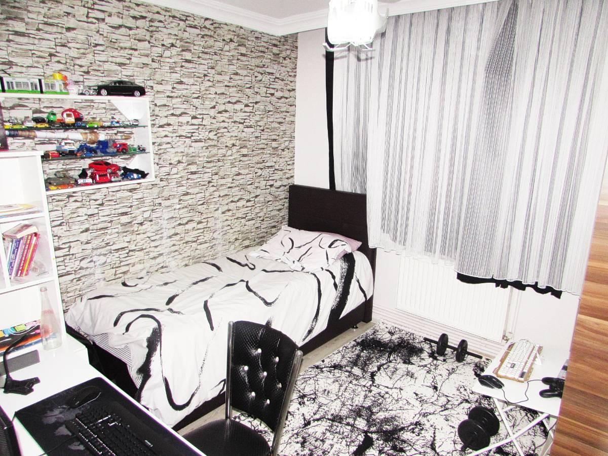 SR EMLAK'TAN M. ÇAKMAK MAH'DE 3+1 105 m² ARA KATTA ULAŞIMA YAKIN DAİRE