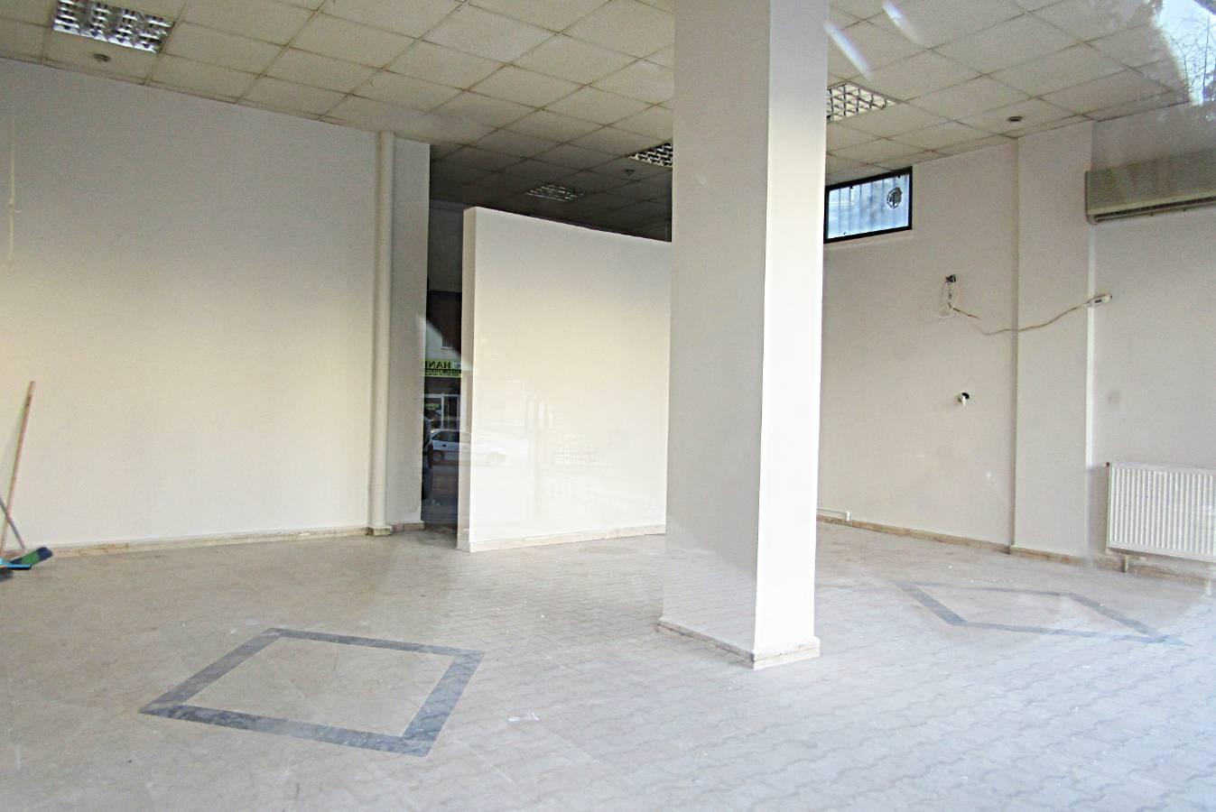 SR EMLAK'TAN PİYADE MAH'DE 65m² CADDEYE YAKIN DÜKKAN