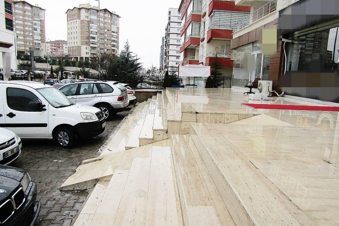 SR EMLAK'TAN AHİMESUT MAH'DE 75m² ULAŞIMA YAKIN SATILIK DÜKKAN